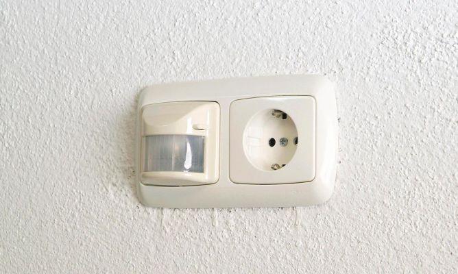 Interruptor detector de movimiento empotrado bricoman a - Detector de movimiento para luces ...