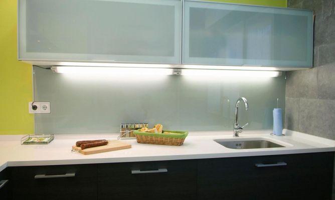 Iluminar encimera de cocina bricoman a - Luminarias para cocina ...