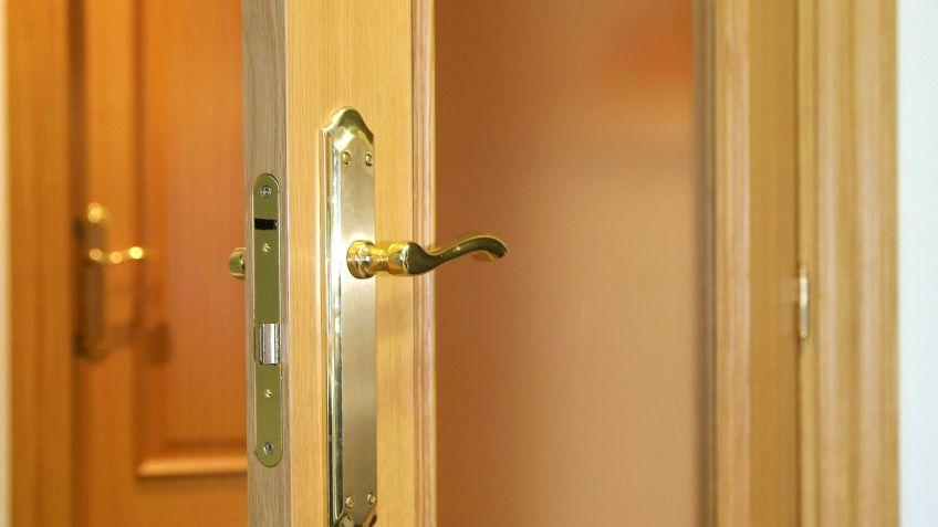 Arreglar la manilla de una puerta - Bricomanía