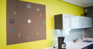 Crear un original reloj de pared decogarden - Reloj de pared adhesivo ikea ...