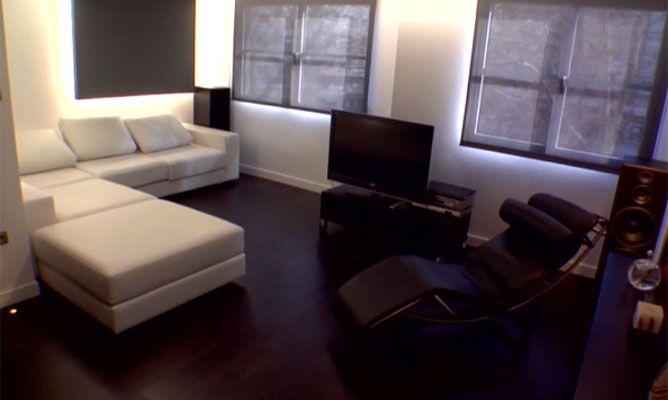 Piso minimalista en blanco negro hogarmania for Pisos blancos minimalistas