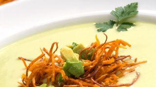 Sopa fría de aguacate con boniato