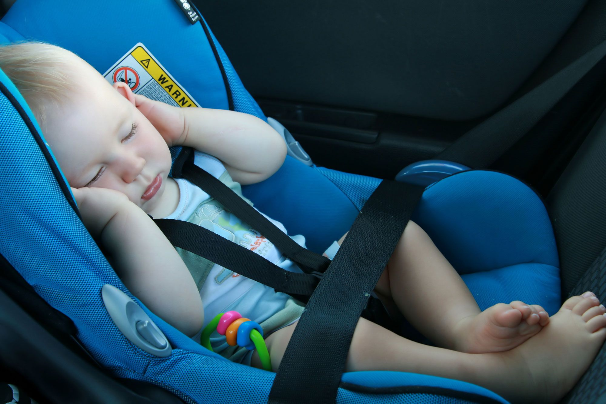 viajar niños coche