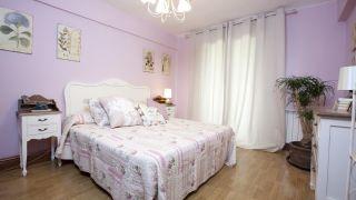 Dormitorio entrañable y romántico