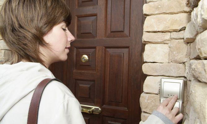 Cambio de timbre en entrada de casa bricoman a - Timbre de casa ...