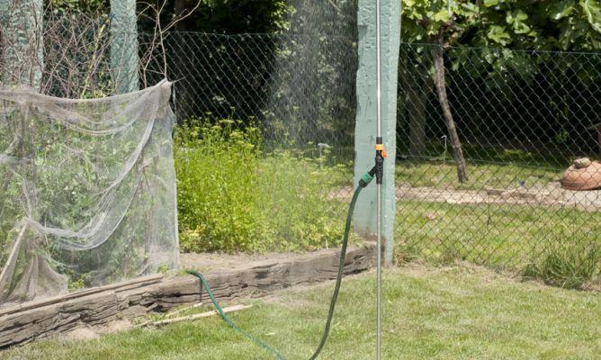 Instalar ducha para jard n bricoman a for Duchas solares para piscinas