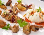Huevo flor con champis y patatitas