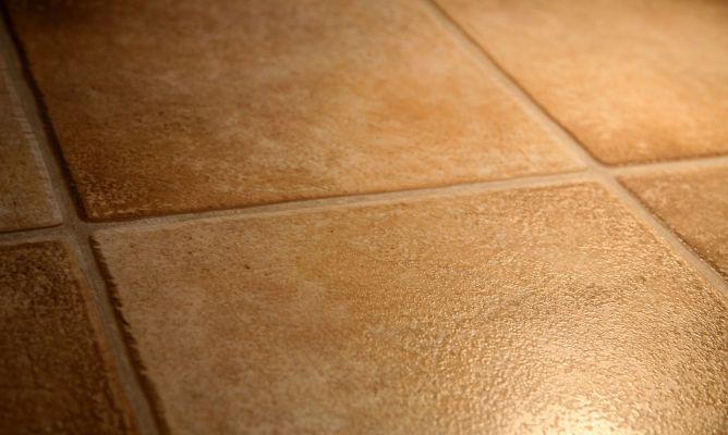 C mo aplicar diferentes tratamientos para suelo de barro hogarmania - Como limpiar suelos de barro ...