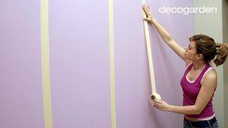 Cómo pintar la pared con líneas verticales - Paso 4