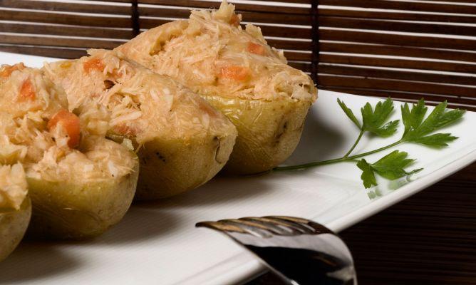 Receta de patatas asadas rellenas en el microondas bruno for Cocinar en microondas
