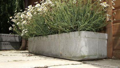Sujeci n para jardineras en ventana bricoman a - Jardineras de cemento ...