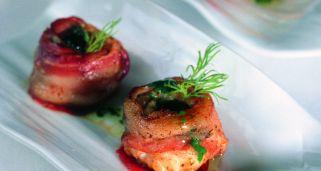 receta de cigalas salteadas con ciruelas y pimiento del piquillo rh hogarmania com