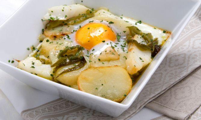 receta de bacalao con patatas panadera y huevo karlos