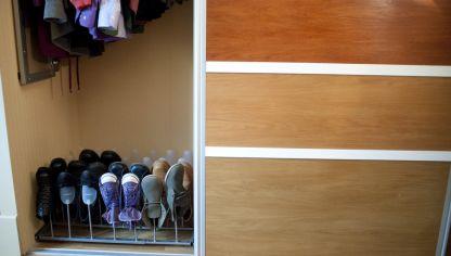 Convertir un armario ropero en un armario zapatero - Como hacer un armario zapatero ...