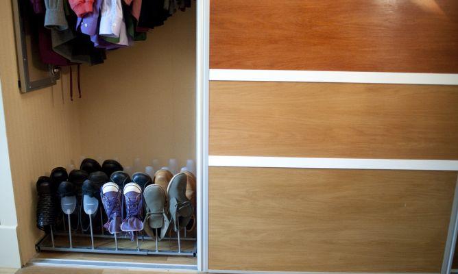 Instalar un zapatero para el armario bricoman a for Zapatero de armario
