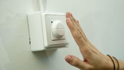 Interruptor detector de movimiento empotrado bricoman a - Detector cables pared ...