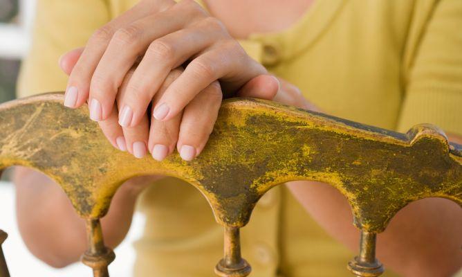 C mo renovar un mueble de ba o hogarmania for Renovar muebles antiguos