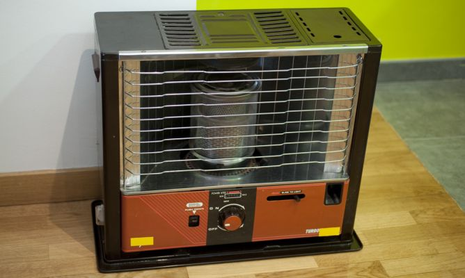 Cambiar la mecha de una estufa de parafina bricoman a for Cambiar mecha de estufa a parafina