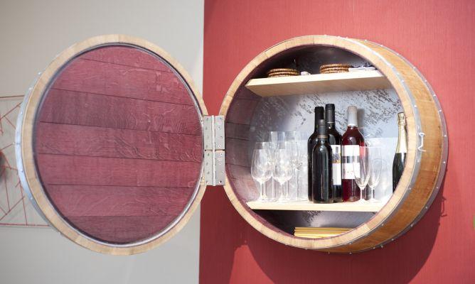 Mueble bar original reciclando un barril bricoman a for Barril mueble bar