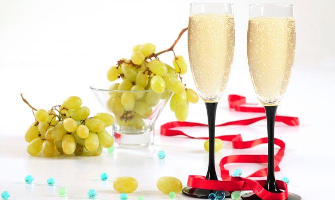 Uvas fruta antioxidante y protectora del coraz n hogarmania - Frutas diureticas y laxantes ...
