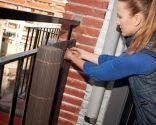 Colocar malla de ocultaci n en balc n - Tapar barandilla balcon ...