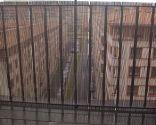 Colocar malla de ocultación en balcón