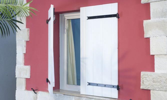 Crear contraventanas r sticas bricoman a - Como hacer una puerta rustica ...