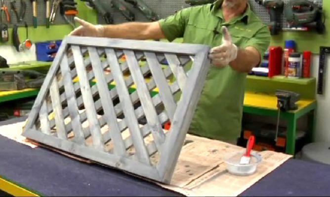 Crear una celos a hogarmania for Celosias de aluminio para jardin