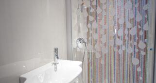 Limpiar la mampara de la ducha hogarmania - Limpiar mamparas de ducha ...