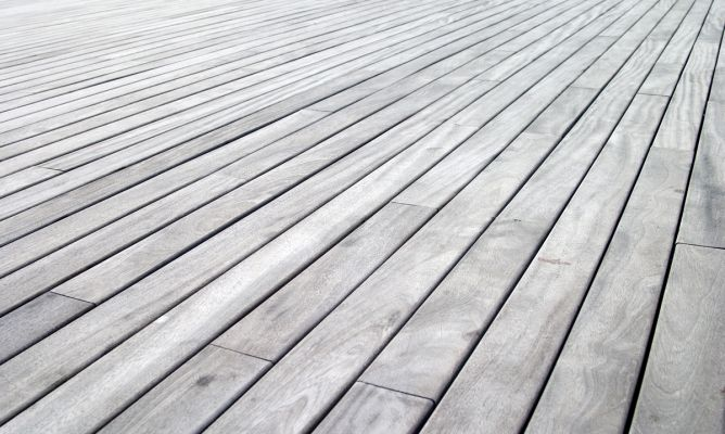 Tratar la madera exterior hogarmania - Barnizar madera exterior ...