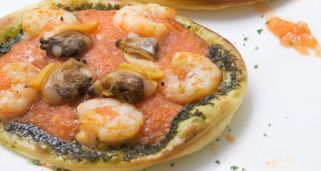 Pizza con ingredientes sanos y baja en grasa