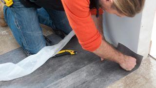 Cómo colocar suelo vinílico