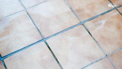 Marcador de juntas bricoman a for Pintar suelo ceramico