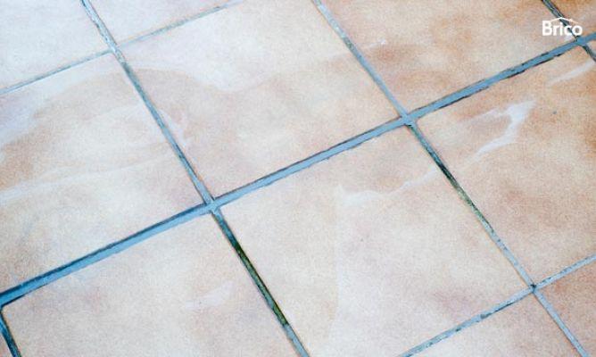 Reparar junta de exterior bricoman a for Rellenar juntas baldosas exterior