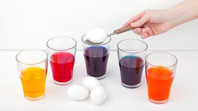 Pintar huevo de Pascua
