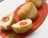 Albóndigas de bacalao fresco con salsa de piquillos