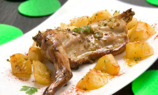Receta de conejo asado con patatas karlos argui ano for Cocinar un conejo