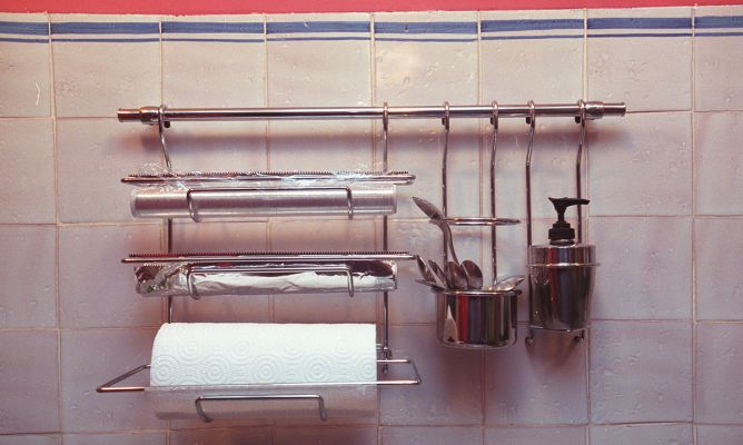 Colocaci n de accesorios de cocina bricoman a for Accesorios cocina