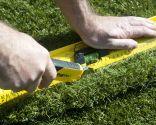 Colocar hierba artificial en terraza