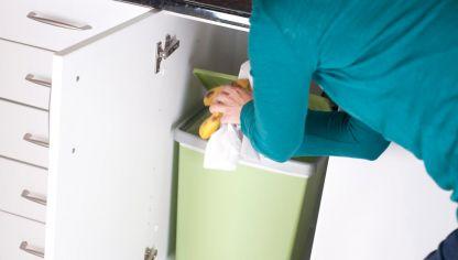 Colocar cubo de basura en encimera bricolaje bricoman a - Cubo basura puerta ...