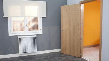 C mo lacar una puerta de madera bricoman a bricolaje - Como colocar puertas correderas ...