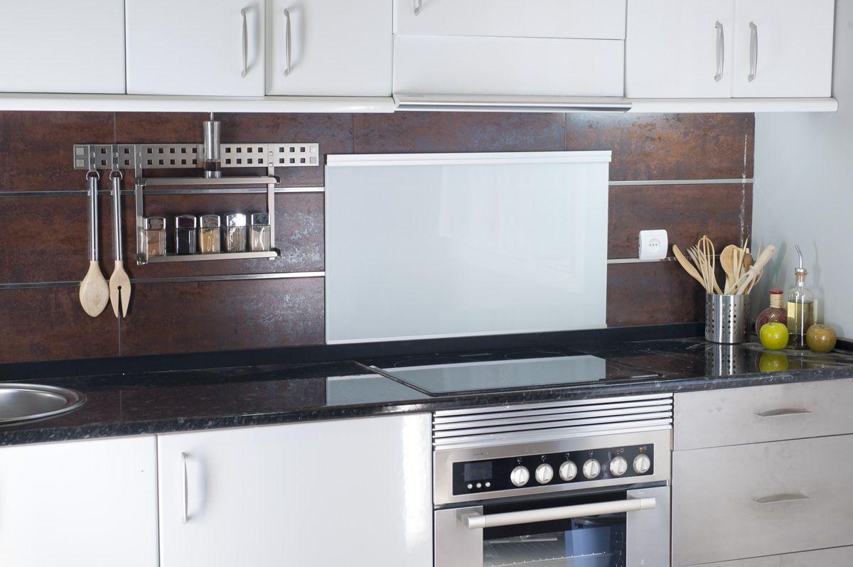 8 peque os cambios para renovar tu cocina bricoman a for Muebles bricomania