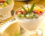 Mousse de chocolate blanco con frutas
