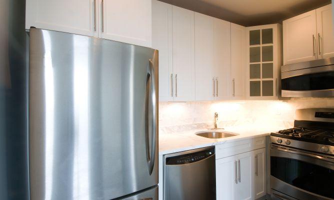 Limpiar los electrodom sticos de la cocina hogarmania - Como limpiar paredes blancas ...
