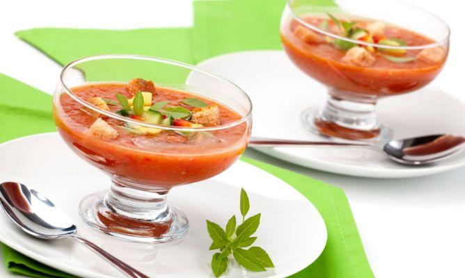 Recetas de sopas y cremas fr as para el verano hogarmania - Primeros platos faciles y originales ...