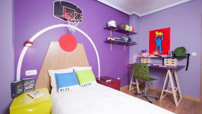 Decorar habitaci n juvenil con muebles cl sicos decogarden - Como decorar una habitacion pequena juvenil ...