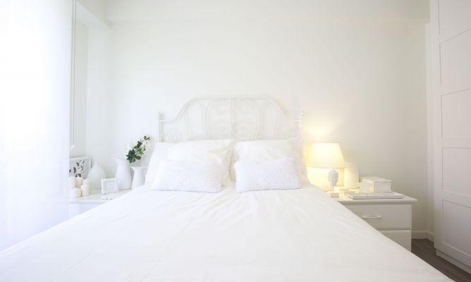 Dormitorio luminoso y rom ntico decogarden - Blanco roto pared ...