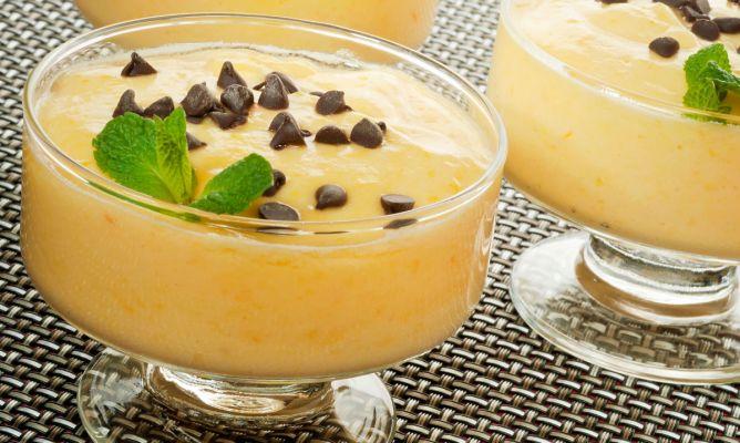 Receta de crema de mandarina con chispitas de chocolate - Postre con mandarinas ...