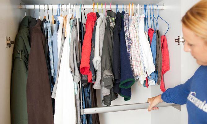 Barra de armario extensible bricoman a - Barra colgar ropa ...