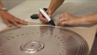 Cómo hacer un reloj original... ¡con la tapa de una sartén! - Paso 2